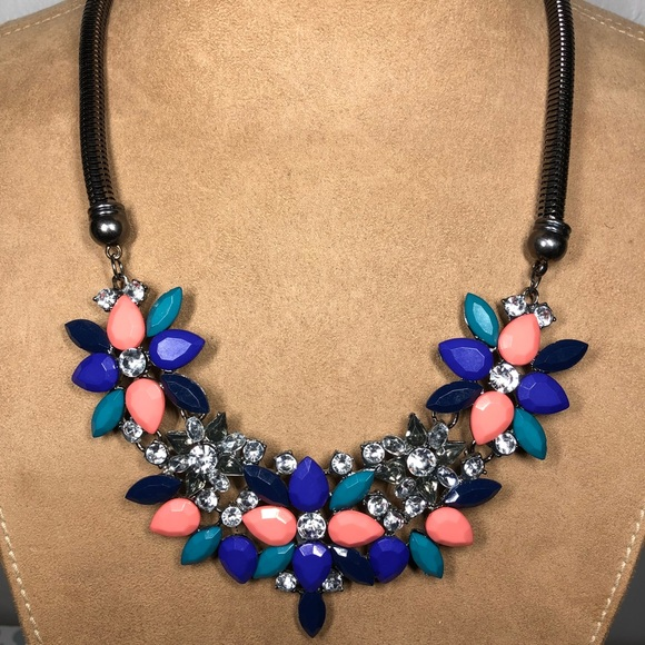 Francesca's Collections Jewelry - Flower Francesca Necklace
